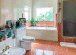 Dun Reach - bathroom sm